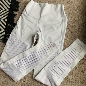 Alo Yoga white Moto high waisted leggings. Size M.